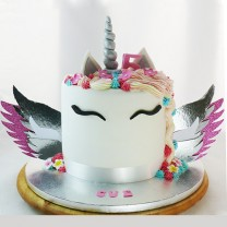 Unicorn Fondant Face with Wings cake (D, V)