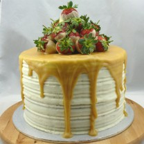 4 Storey White Chocolate Strawberry Divine Cake