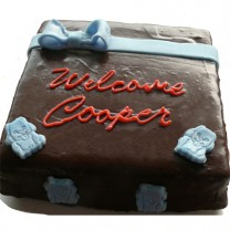 Design your own cake: Poured Chocolate with Fondant Topper