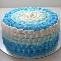Buttercream Icing with Buttercream Petals (D, V)