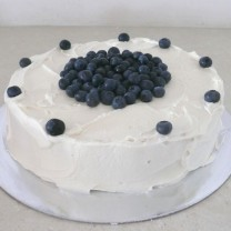 Buttercream Icing with Seasonal Fruit  (D, V)